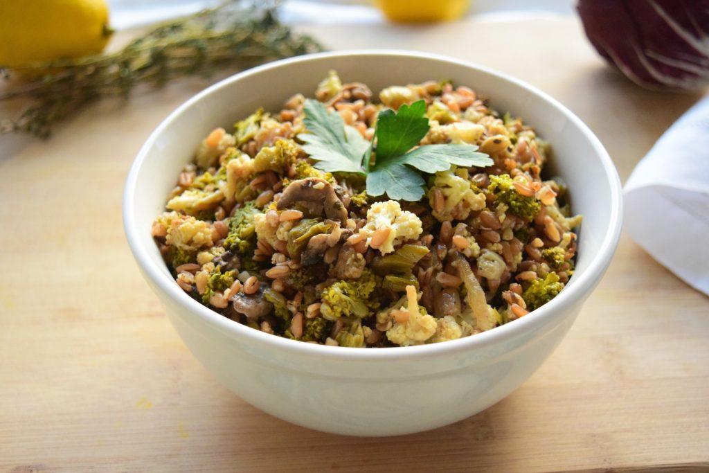 Easy Vegan Cauliflower and Mushroom Farro Salad