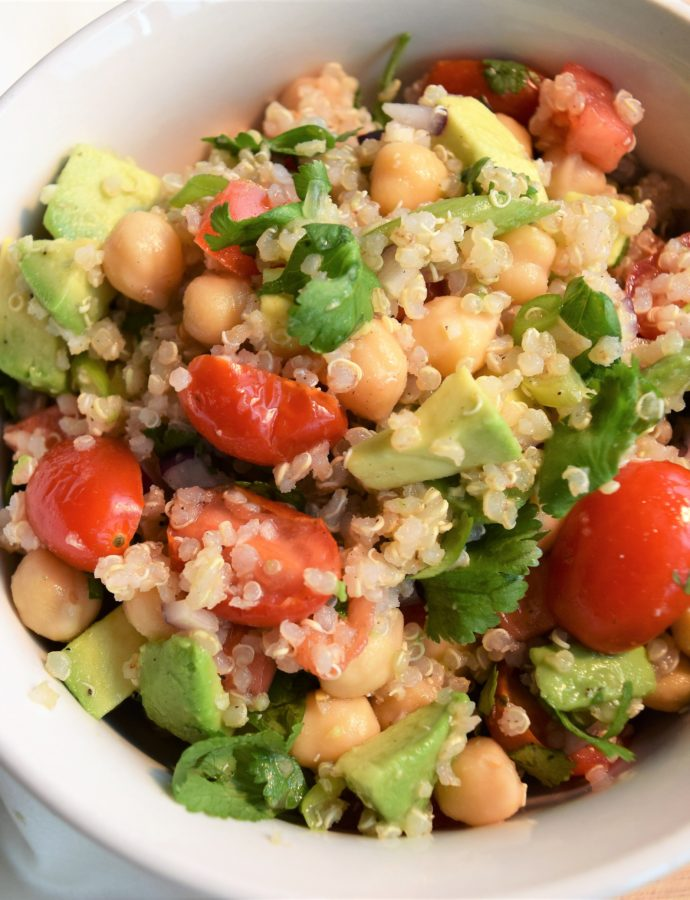 Vegan Quinoa Salad with Chickpeas