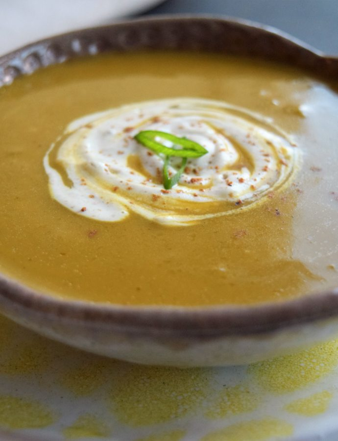 Vegan Butternut Squash Soup with Roasted Apples