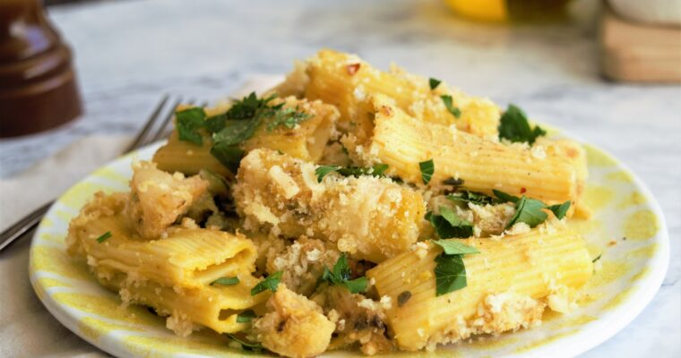 Vegan rigatoni and cauliflower al forno