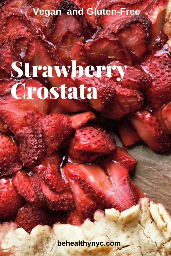 This delicious vegan and gluten-free strawberry crostata is super easy to make. There are only a few ingredients, and they are all healthy.
