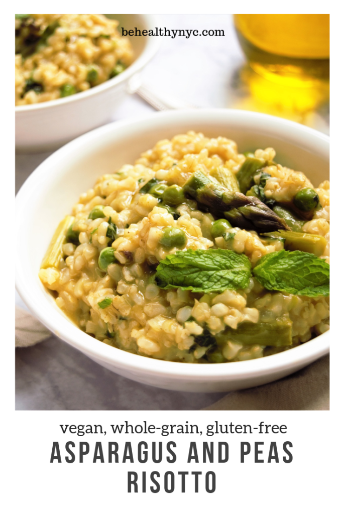 The best Spring vegan risotto with peas, asparagus, and mint. This healthy and creamy risotto is made with brown rice and coconut butter.